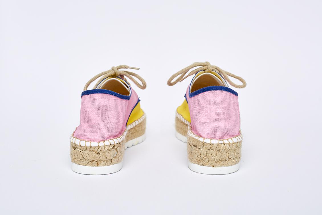 Dos zapatos en rosa