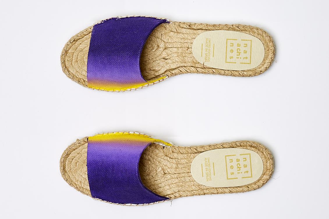 alpargatas de sandalia en morado, lavanda y amarillo
